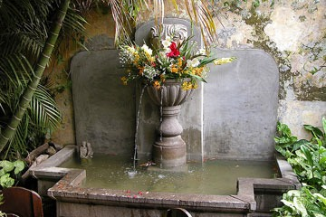 courtyard fountain in Antigua Guatemala