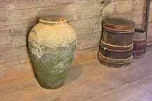 earthenware and barrels at George Washington's Mount Vernon plantation