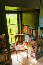 library nook in the Chael-Dover Cottage in Miami, Florida