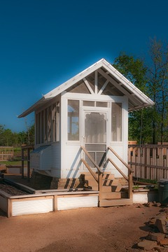 garden shed at Carlton Landing on Lake Eufaula, Oklahoma has a simple take on its Victorian heritage