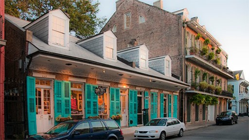 streetscape in New Orleans' French Quarter