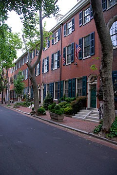 Philadelphia townhouses along a street