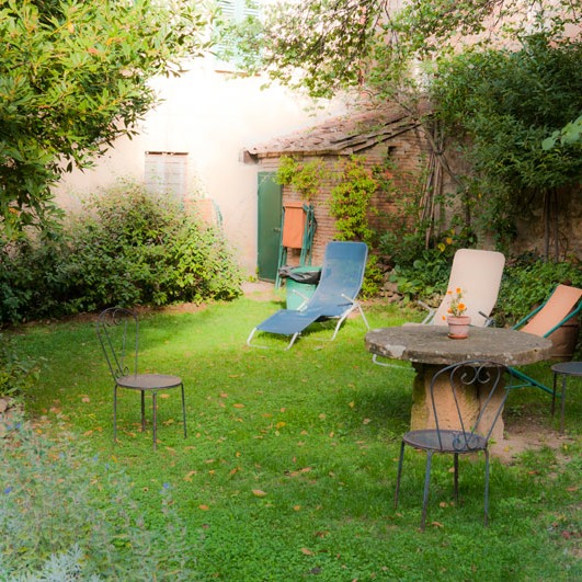 one of Pienza's quiet garden rooms