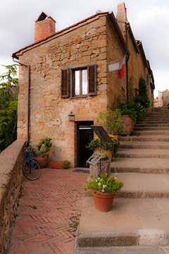 shop on the Pienza, Italy town wall