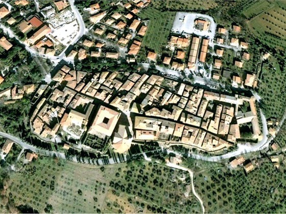 satellite photo of Pienza, Italy