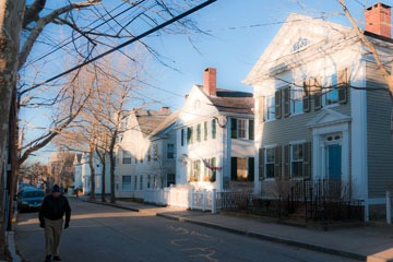 houses on neighborhood street in Stonington, Connecticut